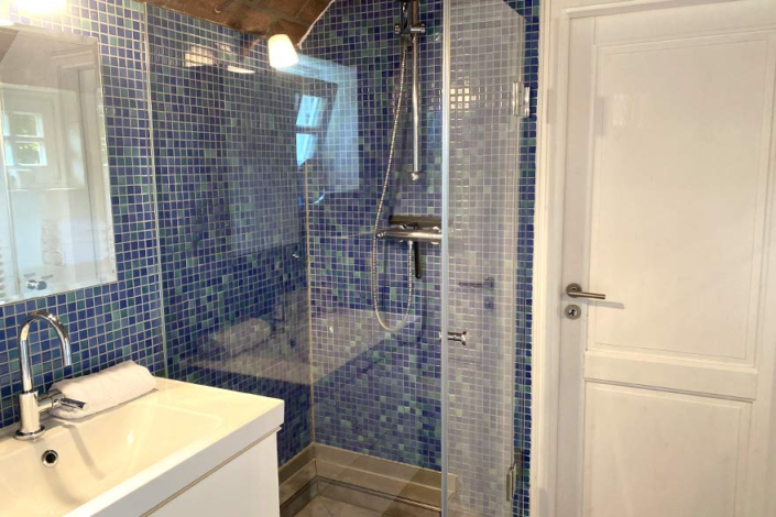 Ferienwohnung Urlaubsmühle Fortuna Dusche und Waschbecken